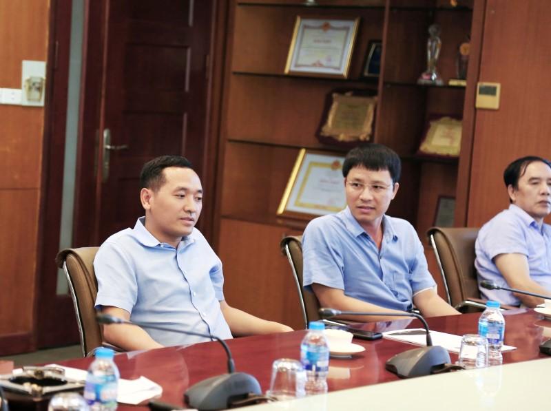 Ông Nguyễn Văn Tuấn - Chủ tịch HĐQT TCT chỉ đạo tại cuộc họp