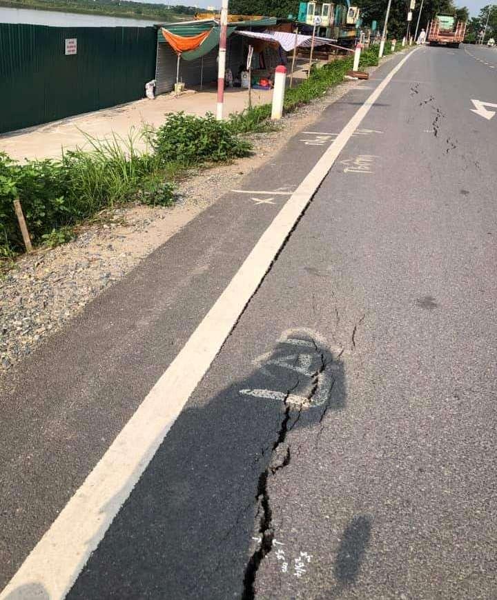 Tuyến đường bị hư hỏng nghiêm trọng