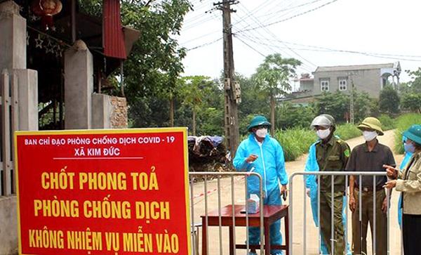 Xã Kim Đức phong toả 2 khu dân cư liên quan đến trường hợp nghi nhiễm COVID-19