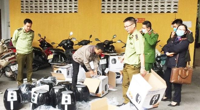Lực lượng QLTT Bắc Giang bắt giữ lô hàng hóa vi phạm