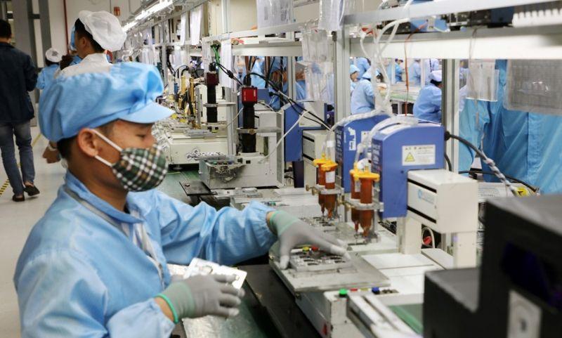Người làm việc tại các Công ty thuộc KCN Quang Châu cần thực hiện khai báo y tế, lấy mẫu xét nghiệm (Ảnh: bacninh.gov.vn)