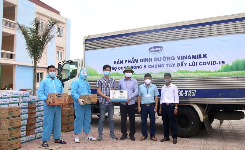 Gần 100.000 sản phẩm khác đã được Vinamilk ủng hộ tại 2 địa phương Bắc Ninh và Hà Nam trong đợt này
