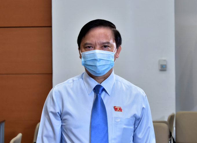 Phó Chủ tịch Quốc hội, Ủy viên Hội đồng Bầu cử Quốc gia Nguyễn Khắc Định thông tin đến báo chí tại điểm cầu Nhà Quốc hội về tình hình bầu cử