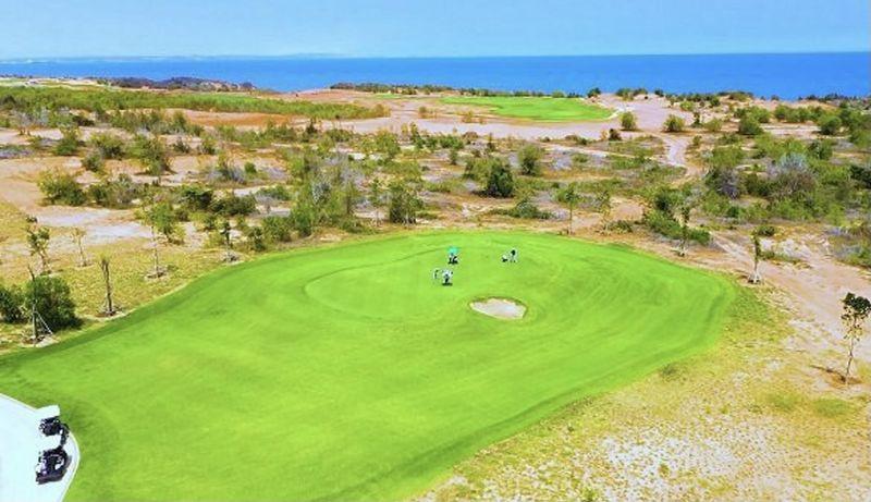 Chủ nhân PGA Golf Villas có thể xem trực tiếp những giải đấu đẳng cấp tại cụm sân golf PGA độc quyền 36 hố. Ảnh sân PGA Ocean tại NovaWorld Phan Thiet