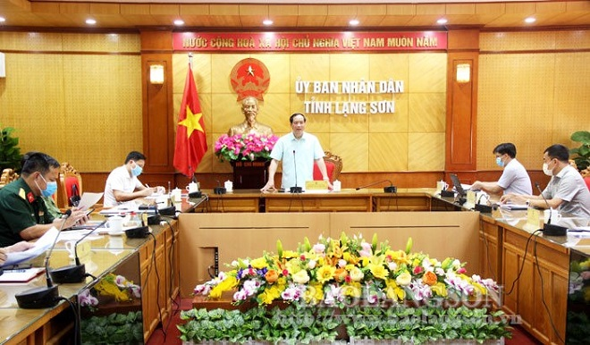 hó Chủ tịch Thường trực UBND tỉnh Lạng Sơn Dương Xuân Huyên chỉ đạo công tác phòng chống dịch