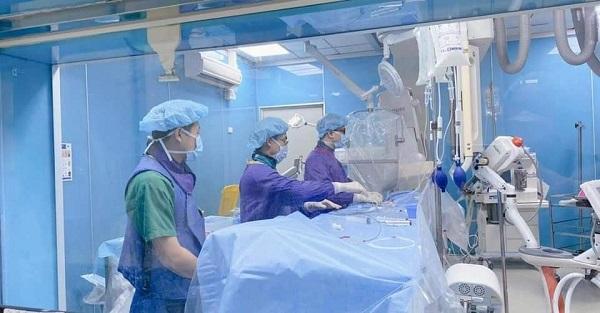 Can thiệp nội mạch cho phép loại bỏ nhanh chóng huyết khối và tái lập lại tuần hoàn não