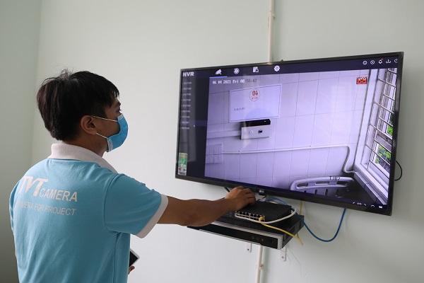Hệ thống 54 camera tại 4 tầng được truyền về phòng điều hành