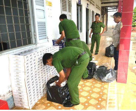 Trong 5 tháng đầu năm, các lực lượng chức năng trên địa bàn tỉnh đã phát hiện, xử lý 434 vụ (cùng kỳ 583 vụ, giảm 149 vụ) kinh doanh, vận chuyển hàng lậu qua biên giới