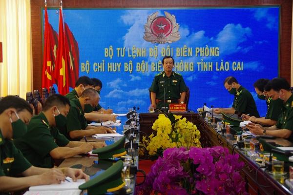 Thiếu tướng Lê Đức Thái phát biểu kết luận buổi làm việc tại Bộ Chỉ huy BĐBP Lào Cai.