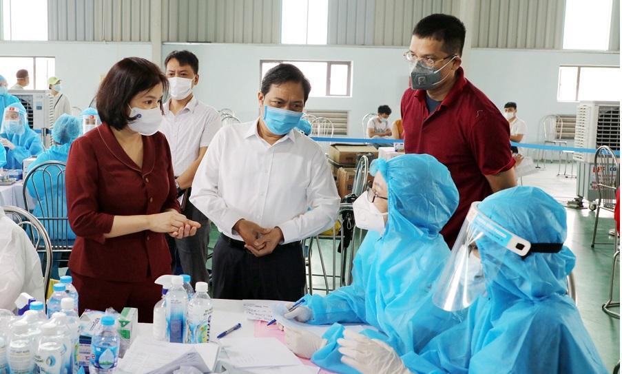 Chủ tịch UBND tỉnh động viên lực lượng Y tế làm nhiệm vụ.