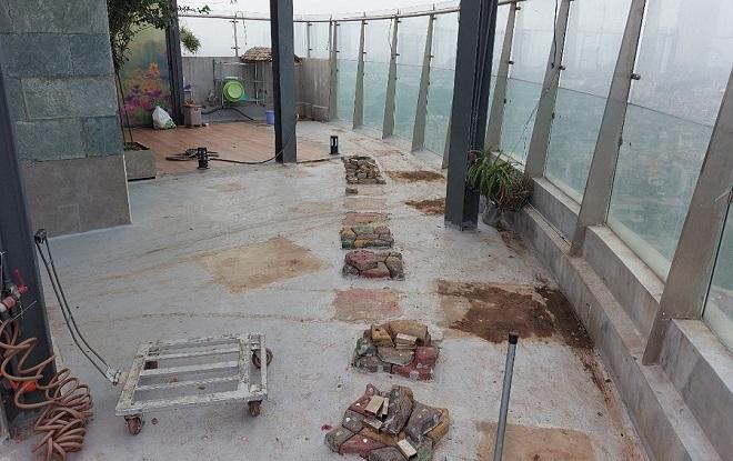 Tầng mái của chung cư Watermark bị cải tạo thành nhà để ở