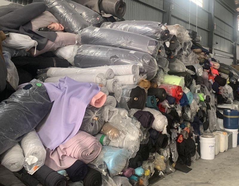 30 tấn vải không rõ nguồn gốc xuất xứ được Đội QLTT số 6 kiểm tra, phát hiện ngày 24/4/2021