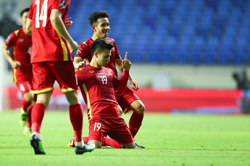 Với nguồn dinh dưỡng vàng từ Vinamilk, Đội tuyển Việt Nam một lần nữa chứng minh thể lực và phong độ vững chắc bằng chiến thắng trước tuyển Indonesia.