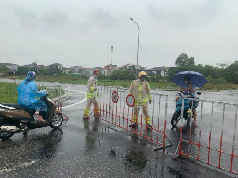 Tỉnh Hà Tĩnh đang triển khai nhiều giải pháp quyết liệt, đồng bộ và khẩn trương nhằm sớm cắt đứt chuỗi lây nhiễm.