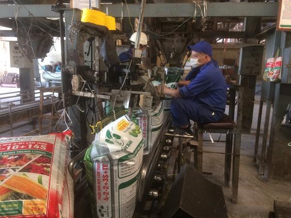 Bộ phận đóng bao sản phẩm phân bón Lâm Thao