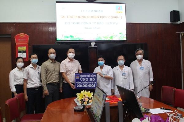Bảo hiểm PVI ủng hộ chương trình phòng chống Covid-19 tại Bệnh viện Thống Nhất