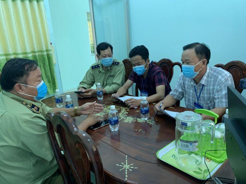 Đội QLTT số 2 làm việc với UBND các xã , thị trấn thuộc huyện Hòn Đất, tỉnh Kiên Giang