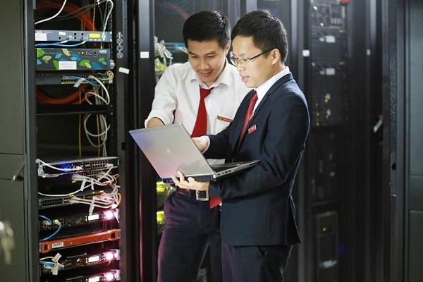 Xác định trách nhiệm đi đầu trong thực hiện chuyển đổi số, Agribank ưu tiên đầu tư các dự án công nghệ nhằm nâng cấp hạ tầng các trung tâm dữ liệu, hệ thống mạng, tăng cường an ninh bảo mật, đảm bảo các hệ thống CNTT luôn hoạt động ổn định, an toàn