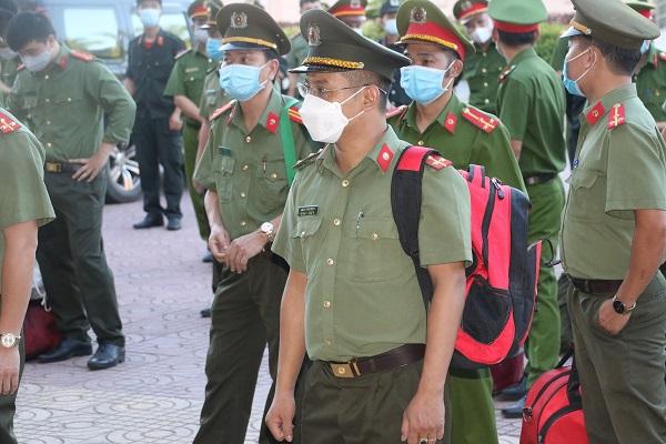 100 cán bộ, chiến sỹ của nhiều đơn vị thuộc Công an tỉnh Nghệ An tham gia vào tuyến đầu chống dịch Covid-19