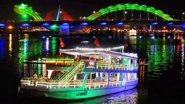 Du thuyền sông Hàn về đêm