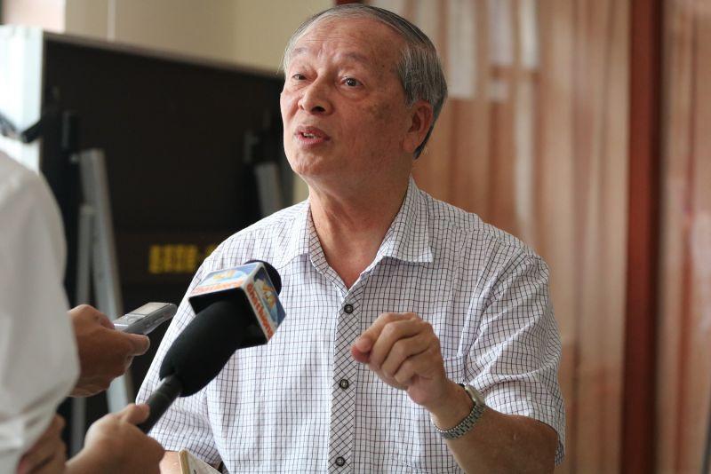 Chuyên gia kinh tế Vũ Vinh Phú (Ảnh: Hán Hiển)