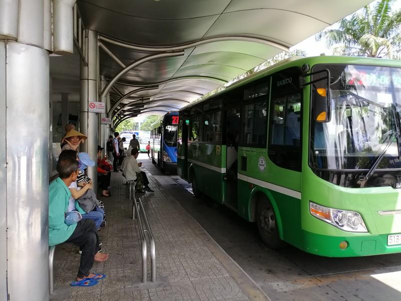 Hoạt động vận chuyển hành khách công cộng ở TP.HCM bị tạm dừng