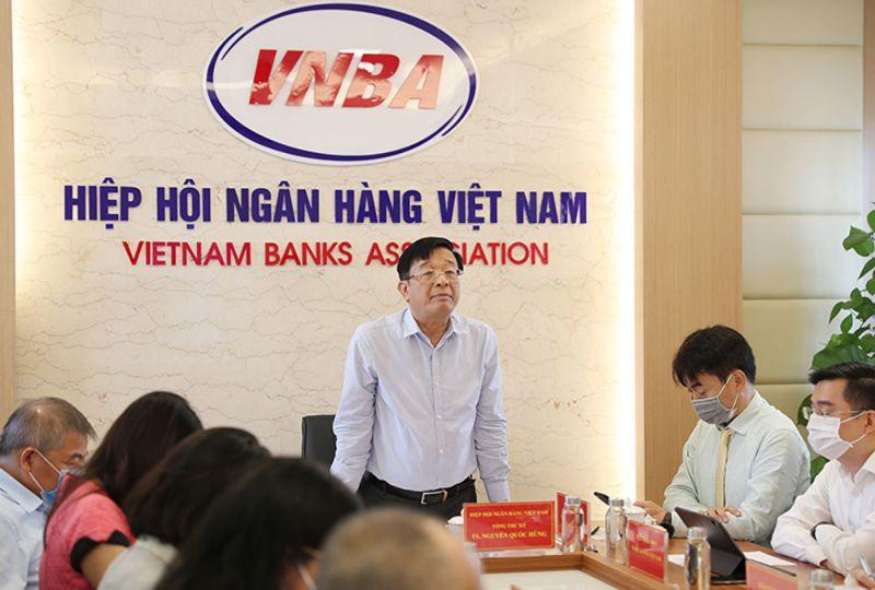 Hiệp hội Ngân hàng họp với các tổ chức tín dụng về việc giảm lãi suất cho vay để hỗ trợ doanh nghiệp và người dân.