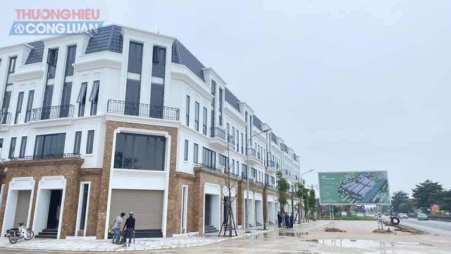 Khu đất dự án trung tâm thương mại được chuyển sang xây dựng Shophouse bán cho người dân đang gây nhiều tranh cãi tại Thanh Hóa.