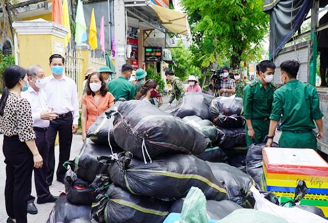 Những chuyến xe nghĩa tình của Huế hỗ trợ người dân TP Hồ Chí Minh
