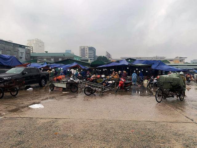 Thành phố Vinh yêu cầu BQL chợ Đầu mối tăng cường hơn nữa các biện pháp phòng, chống dịch Covid -19