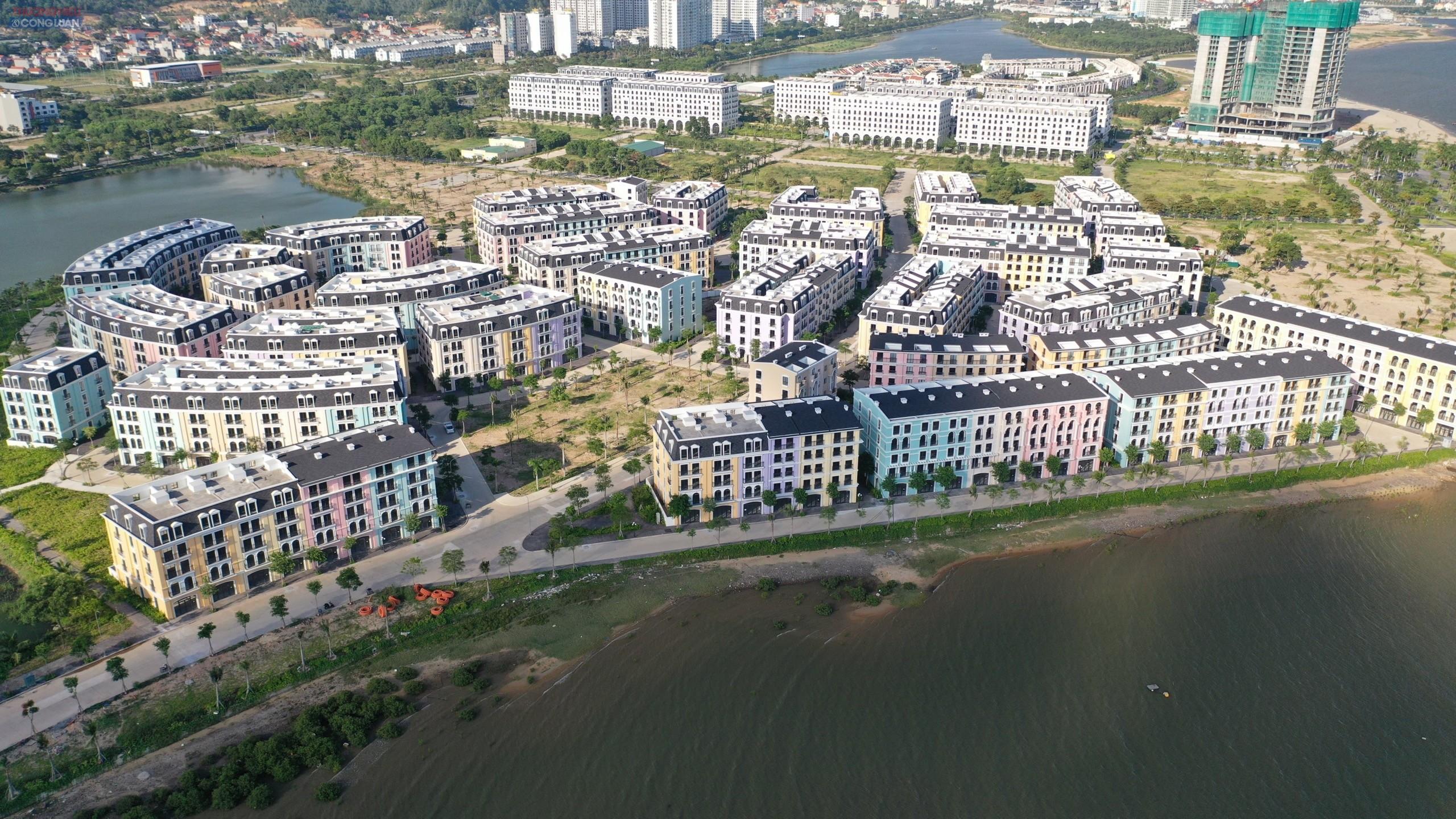 không hiểu lý do gì UBND tỉnh Quảng Ninh lại nâng tổng quy mô đầu tư dự án lên 375 căn liên kế (chênh 53 căn nhà liên kế so với giấy phép xây dựng do phòng quản lý đô thị UBND TP Hạ Long cấp phép).