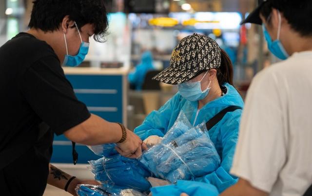 Những hành trang cần thiết được chuẩn bị chỉn chu trước giờ lên máy bay