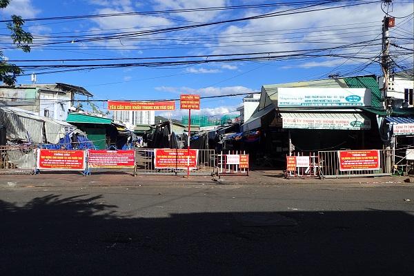 công chợ Bình Tân- Tp. Nha Trang, 16 giờ 15 ngày 26/7/2021