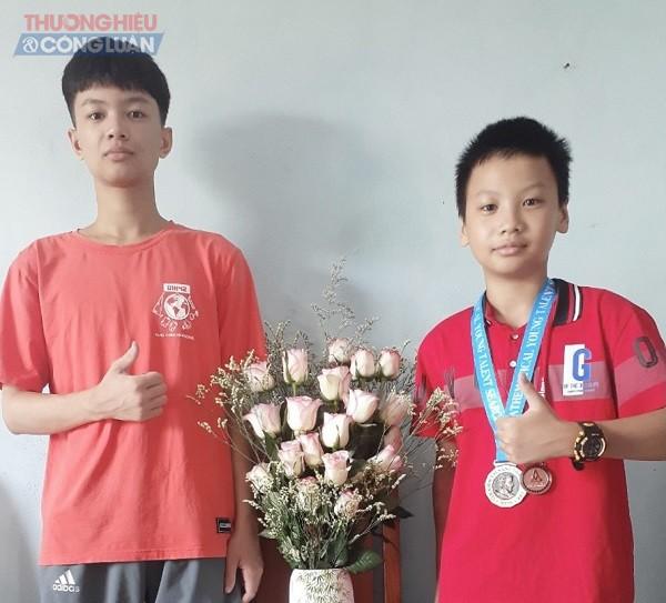 Trần Cao Sơn và em trai Trần Tuấn Sang chủ nhân của 3 huy chương đồng giải toán quốc gia mở rộng
