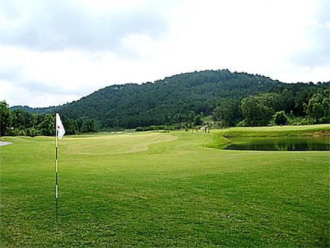 Tạm dừng hoạt động của các sân golf (Ảnh minh họa)