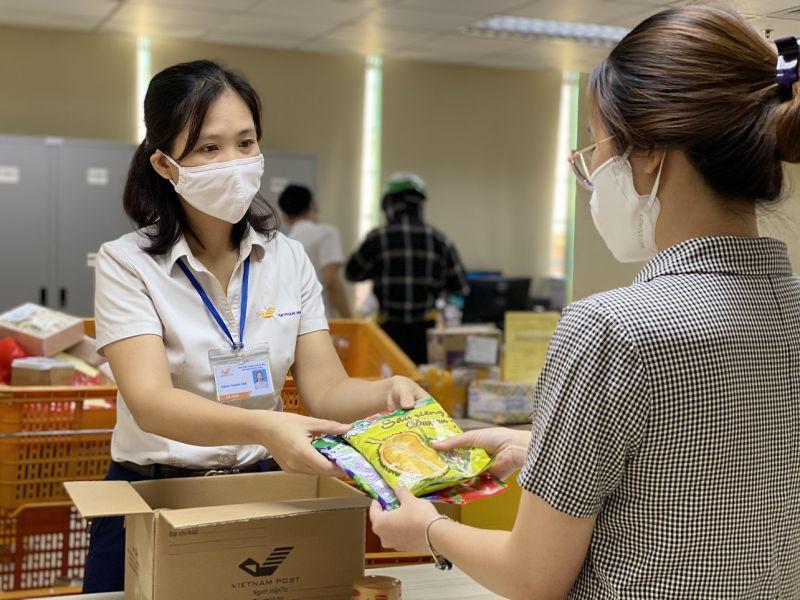 Vietnam Post đảm bảo ổn định các dịch vụ bưu chính phục vụ khách hàng