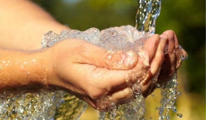 Điều chỉnh giảm giá nước sạch sinh hoạt cho người dân