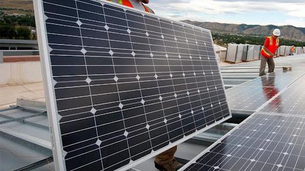 Mỹ điều tra chống lẩn tránh thuế và chống trợ cấp với pin năng lượng mặt trời Việt Nam