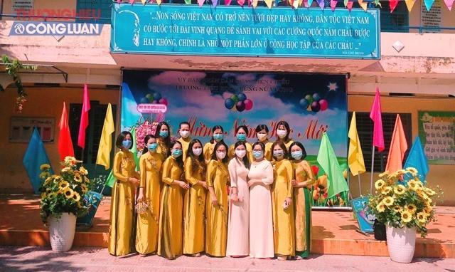 Trường tiểu học Trưng Nữ Vương, quận Liên Chiểu khai giảng năm học 2020-2021, trong lúc mùa dịch Covid-19