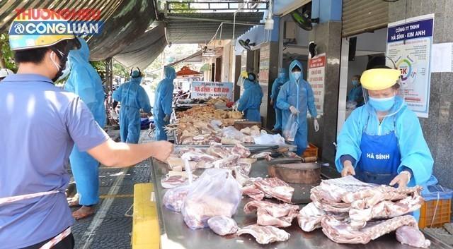 Người dân thành phố Đà Nẵng tại vùng xanh được đi chợ 3 ngày/lần