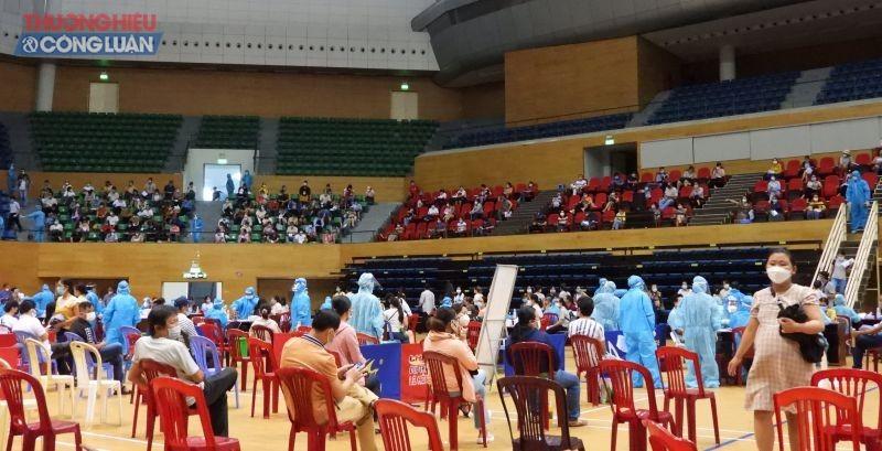 Thành phố Đà Nẵng tổ chức tiêm vắc- xin tại Cung thể thao Tiên Sơn ngày 15/9