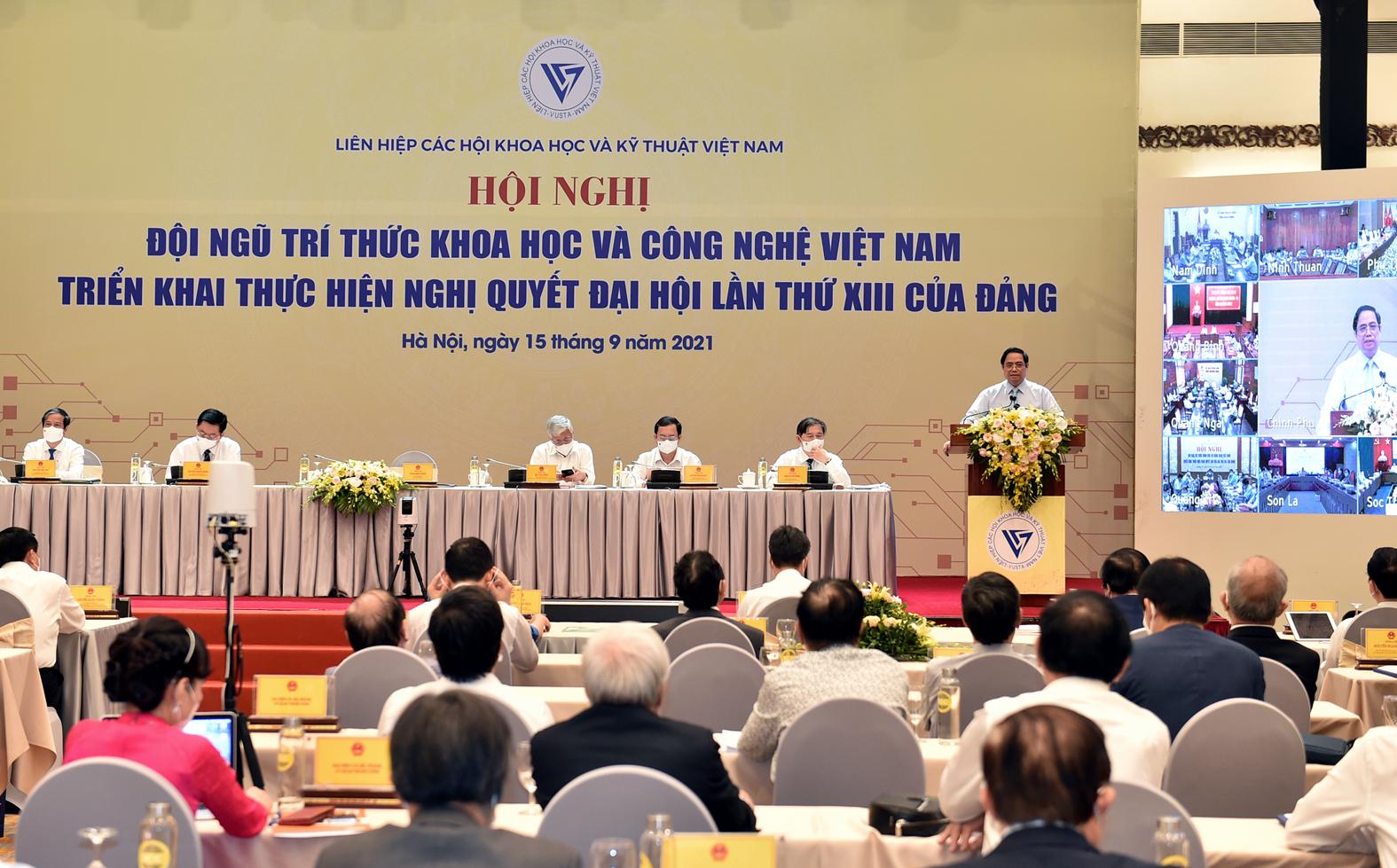 Hội nghị đã tập trung vào những nội dung chính để giải quyết mong muốn và khát vọng đóng góp của các nhà khoa học, đội ngũ trí thức cho sự nghiệp xây dựng và bảo vệ Tổ quốc - Ảnh: VGP/Nhật Bắc