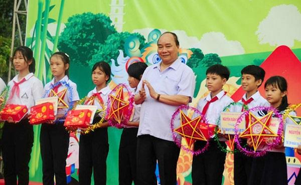 Chủ tịch nước Nguyễn Xuân Phúc gửi thư chúc Tết Trung thu (Ảnh minh họa)