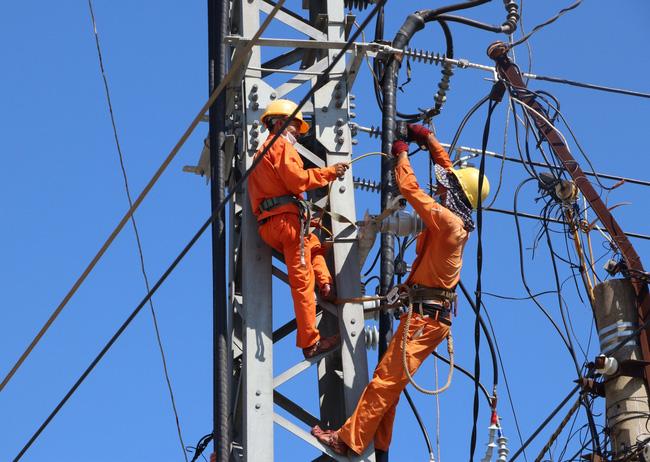 Tiêu thụ điện toàn quốc tiếp tục giảm do giãn cách xã hội