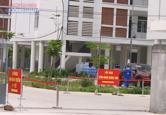 Hiện bệnh viện dã chiến tại Khu ký túc xá phía tây thành phố đang điều trị 618 ca