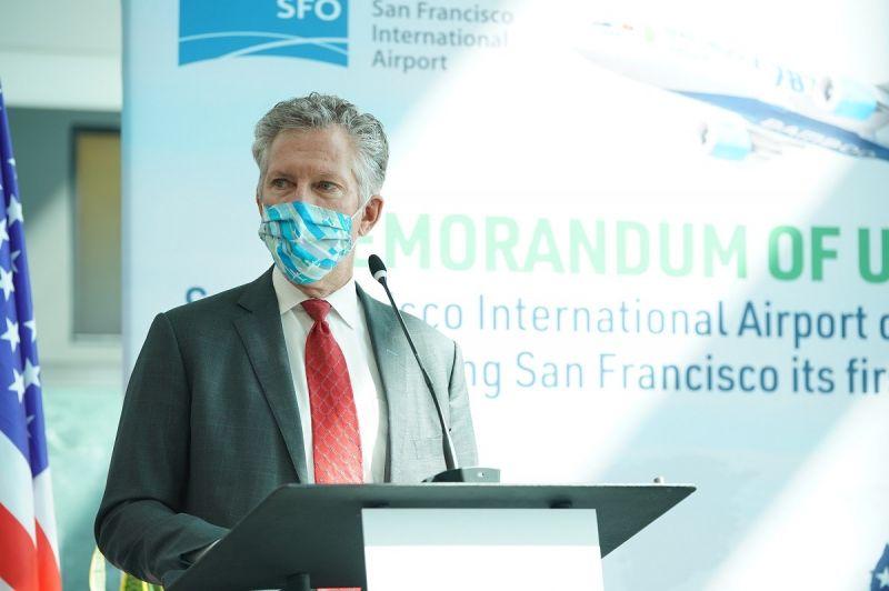 Giám đốc SFO Ivar C. Satero phát biểu trong buổi ký kết Bản ghi nhớ hợp tác với Bamboo Airways