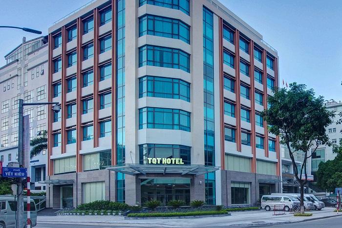 khách sạn TQT có địa chỉ tại số 1A phố Yết Kiêu (phường Trần Hưng Đạo, Hoàn Kiếm)