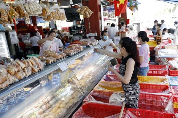 TP. HCM đã cho phép các cơ sở kinh doanh ăn uống mở cửa và bán theo hình thức mang về
