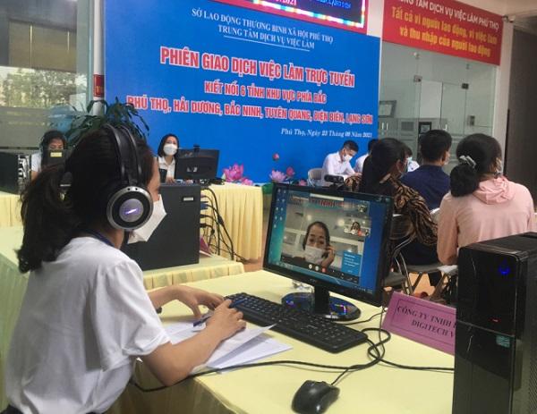 Nhà tuyển dụng tỉnh Phú Thọ phỏng vấn người lao động tỉnh Điện Biên