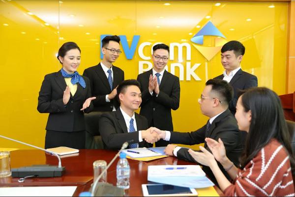 PVcomBank luôn chú trọng xây dựng và phát triển một môi trường làm việc chuyên nghiệp, năng động